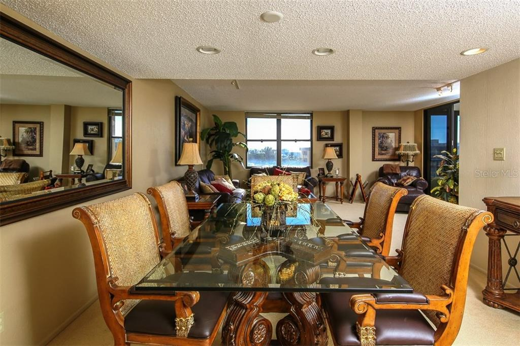 Dining Area - Condo for sale at 5760 Midnight Pass Rd #702, Sarasota, FL 34242 - MLS Number is D5916943