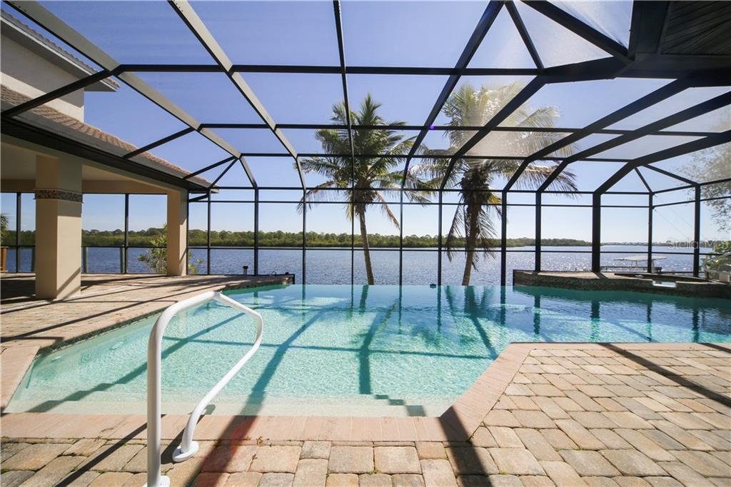 Infinity Pool with Spa - Single Family Home for sale at 550 Coral Creek Dr, Placida, FL 33946 - MLS Number is D5917129