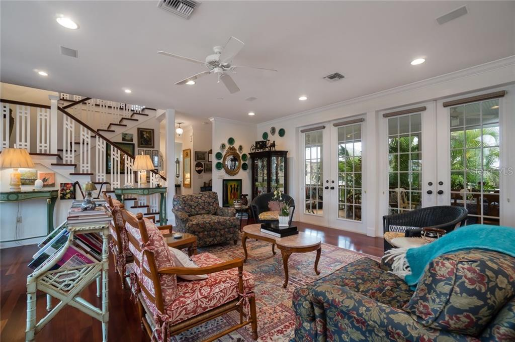Living room - Single Family Home for sale at 9891 Gasparilla Pass Blvd, Boca Grande, FL 33921 - MLS Number is D5920572