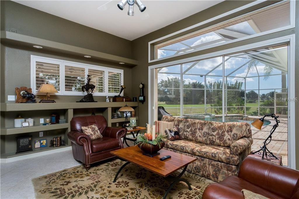 Family Room - Single Family Home for sale at 422 Wincanton Pl, Venice, FL 34293 - MLS Number is D6101809