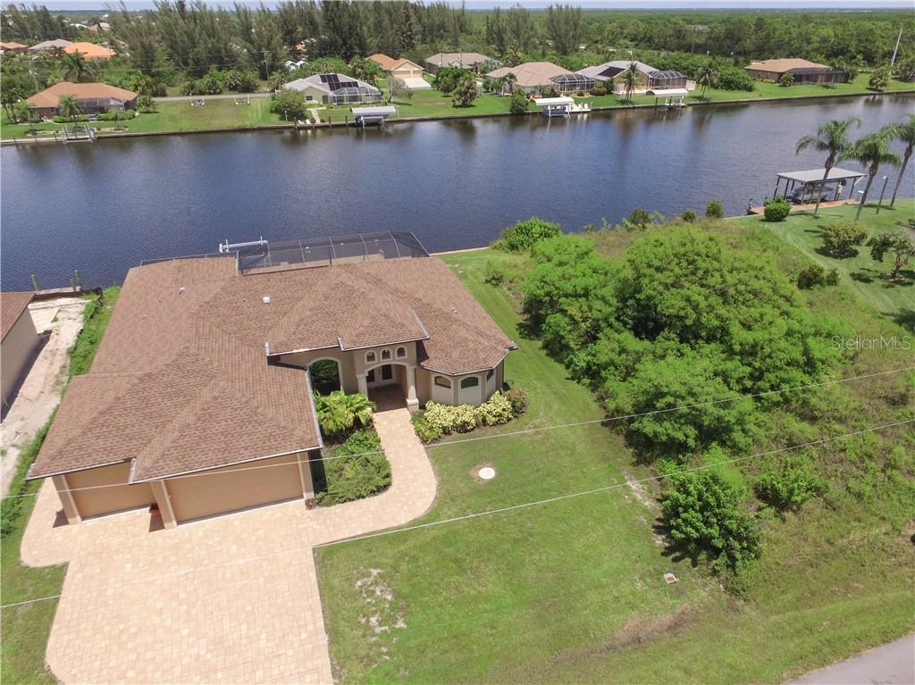 Single Family Home for sale at 15580 Ruston Cir, Port Charlotte, FL 33981 - MLS Number is D6101994