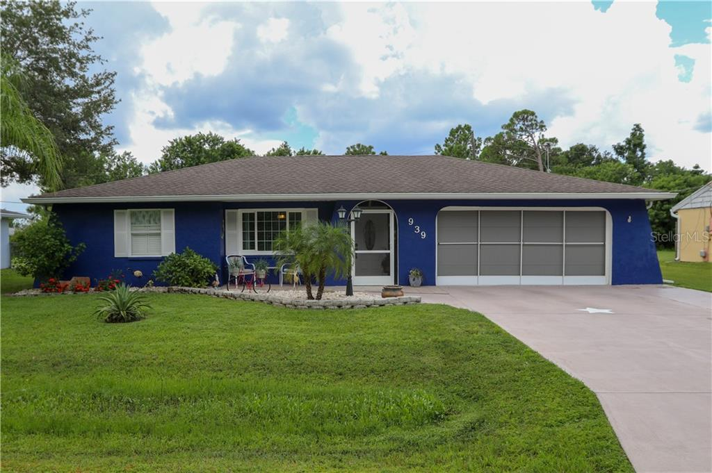 Single Family Home for sale at 939 Linnaen Ter Nw, Port Charlotte, FL 33948 - MLS Number is D6102131