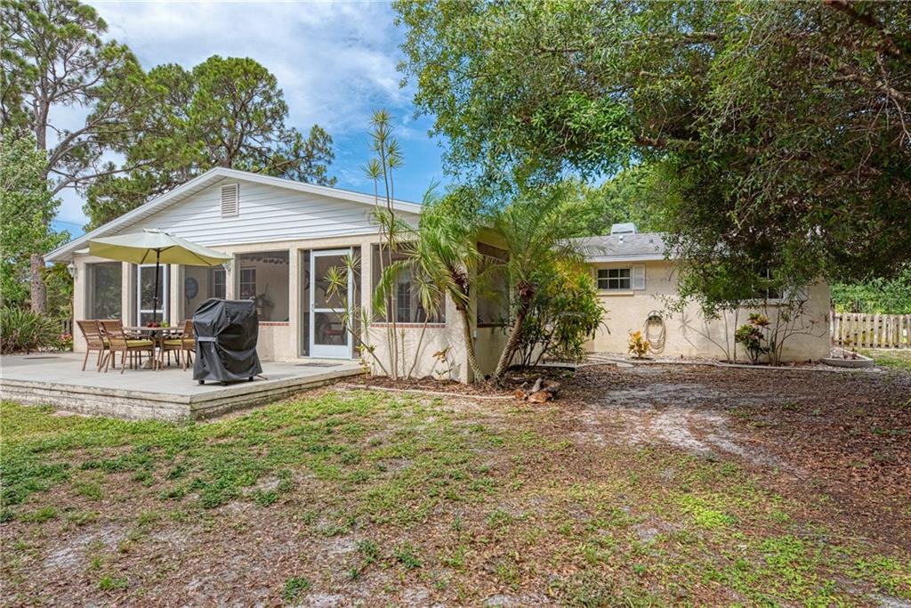 Single Family Home for sale at 5847 Venisota Rd, Venice, FL 34293 - MLS Number is D6112189