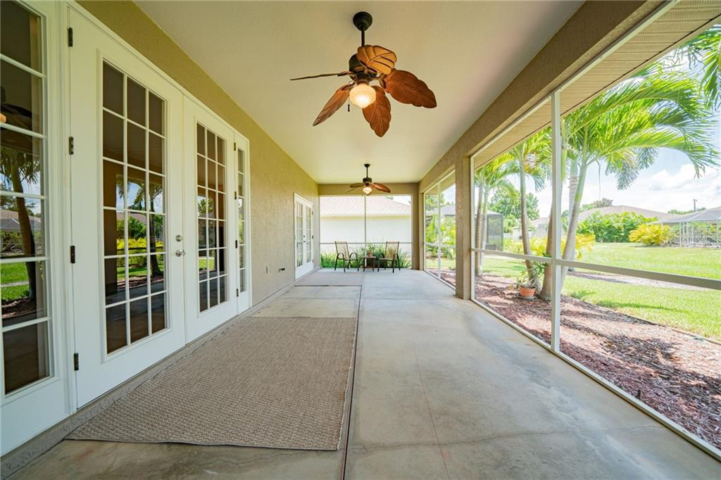 Single Family Home for sale at 14 Par View Rd, Rotonda West, FL 33947 - MLS Number is D6113359
