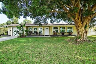 87 Oakland Hills Ct, Rotonda West, FL 33947
