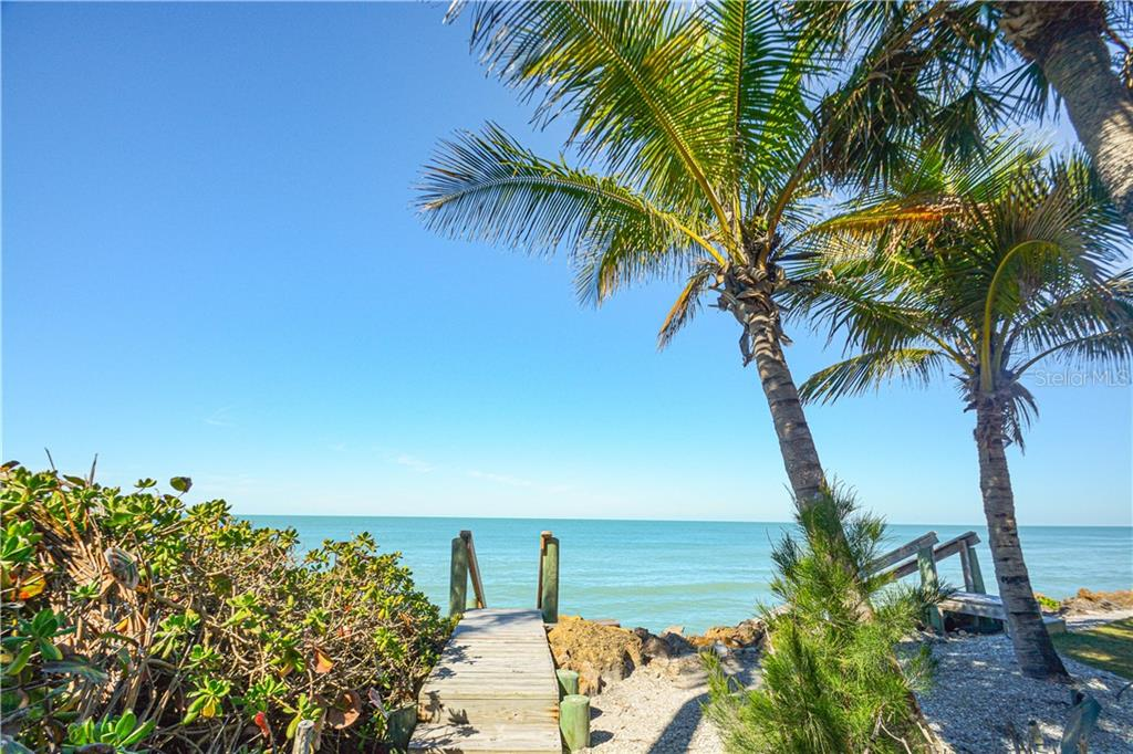 Deeded Beach Access to Gulf of Mexico - Single Family Home for sale at 140 N Casey Key Rd, Osprey, FL 34229 - MLS Number is T3228618