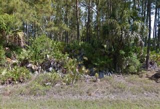 Shrimp Ln, North Port, FL 34286