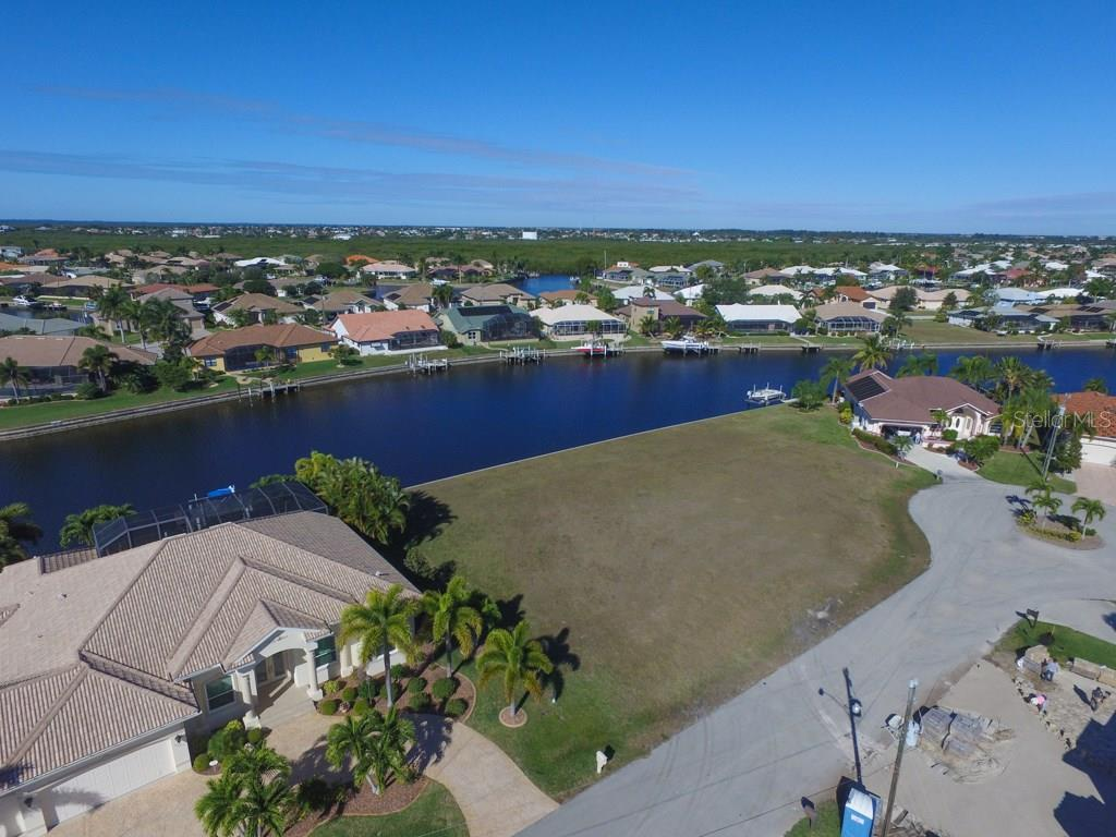 4019 Maltese Ct, Punta Gorda, FL 33950 - photo 4 of 10