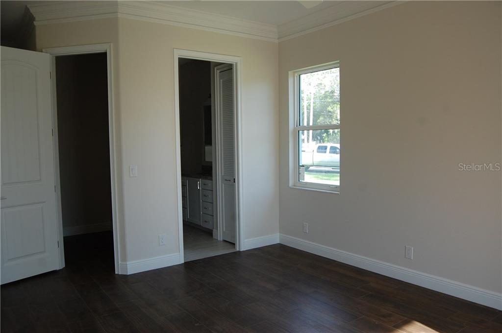 GUEST ROOM - Single Family Home for sale at 6030 Hollywood Blvd, Sarasota, FL 34231 - MLS Number is C7235083