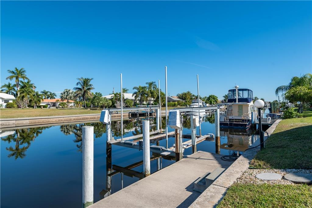 Boat Lift and Concrete Dock - Single Family Home for sale at 2600 Via Veneto Dr, Punta Gorda, FL 33950 - MLS Number is C7409441