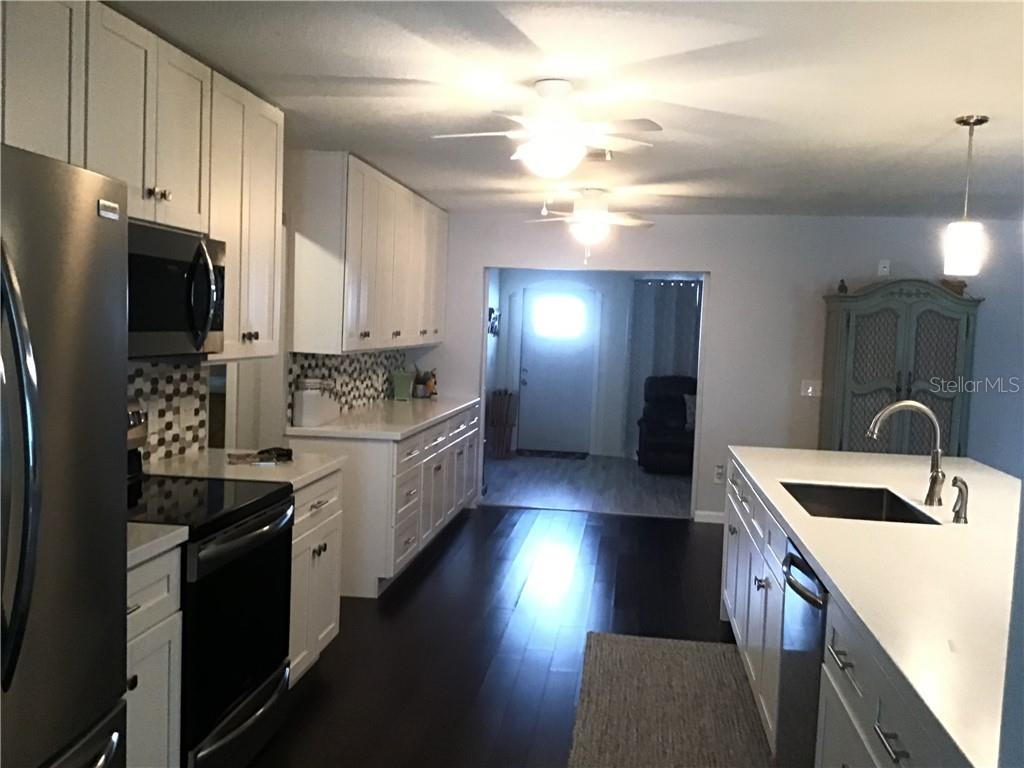 Kitchen - Single Family Home for sale at 1302 Pinebrook Way, Venice, FL 34285 - MLS Number is C7435367