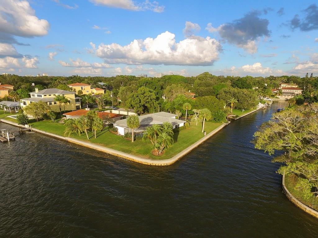 1502 Sandpiper Ln, Sarasota, FL 34239 - photo 14 of 15