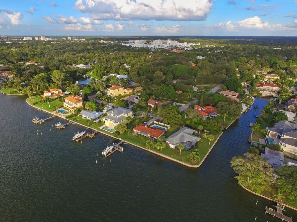 1502 Sandpiper Ln, Sarasota, FL 34239 - photo 4 of 15
