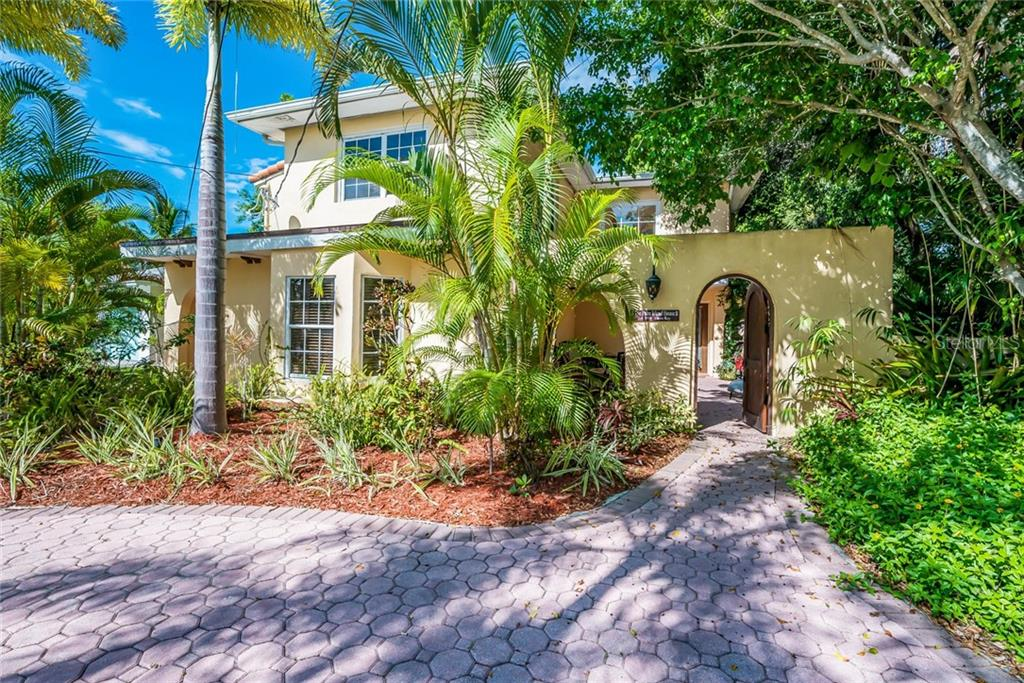 Single Family Home for sale at 5354 Calle Florida, Sarasota, FL 34242 - MLS Number is A4153875