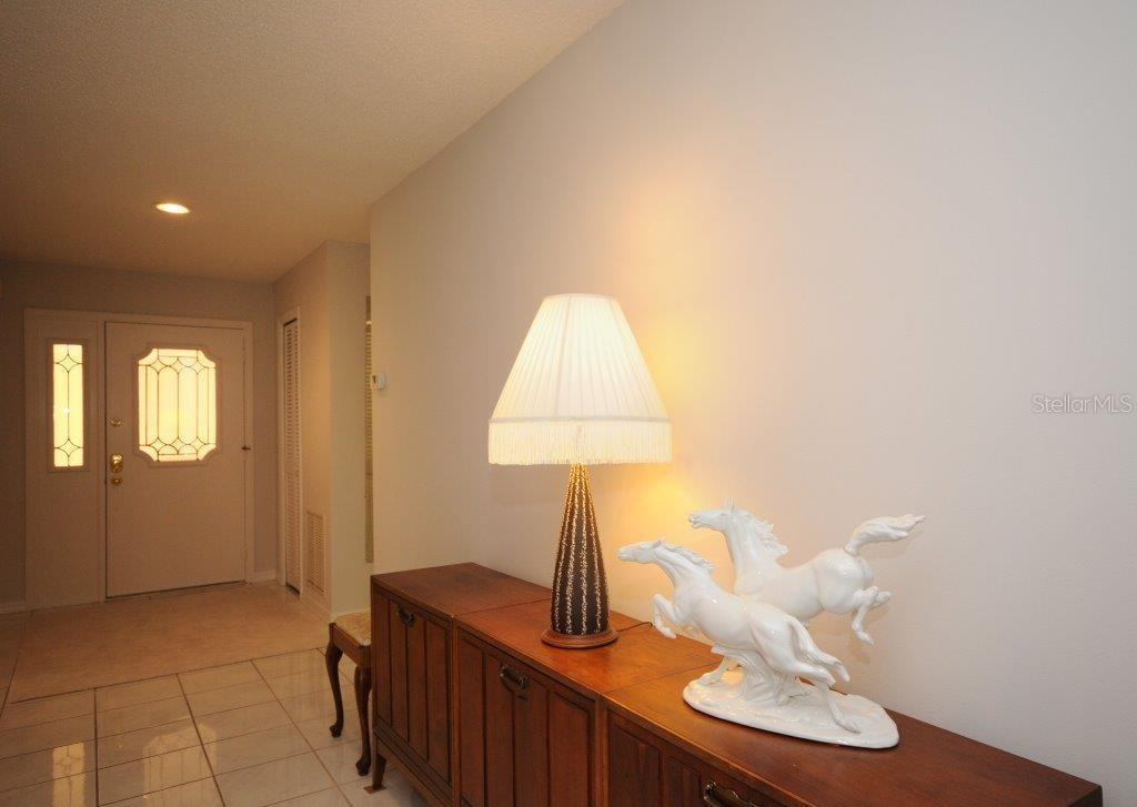 Foyer - Villa for sale at 5510 Chanteclaire #46, Sarasota, FL 34235 - MLS Number is A4156527