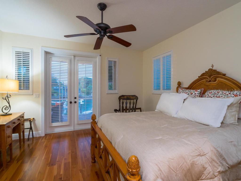 Bedroom 3 - Single Family Home for sale at 5555 Cape Leyte Dr, Sarasota, FL 34242 - MLS Number is A4157475