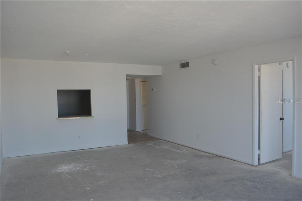 Great Room with bedrooms access - Condo for sale at 101 S Gulfstream Ave #11a, Sarasota, FL 34236 - MLS Number is A4168207