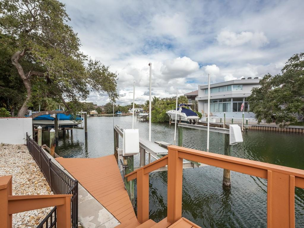 Dock/waterfront - Single Family Home for sale at 4789 Higel Ave, Sarasota, FL 34242 - MLS Number is A4169949