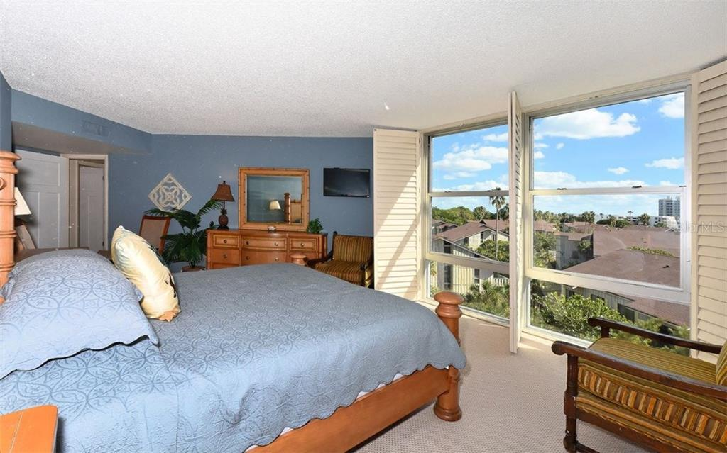 Master Bedroom with gulf views - Condo for sale at 1701 Gulf Of Mexico Dr #505, Longboat Key, FL 34228 - MLS Number is A4170632