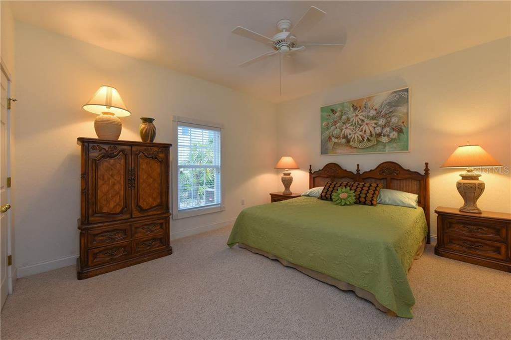Single Family Home for sale at 1251 Southport Dr, Sarasota, FL 34242 - MLS Number is A4170985