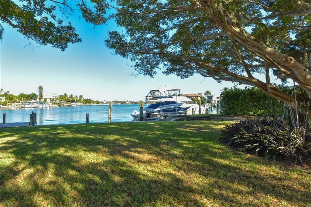 763 Freeling Dr, Sarasota, FL 34242 - photo 24 of 25