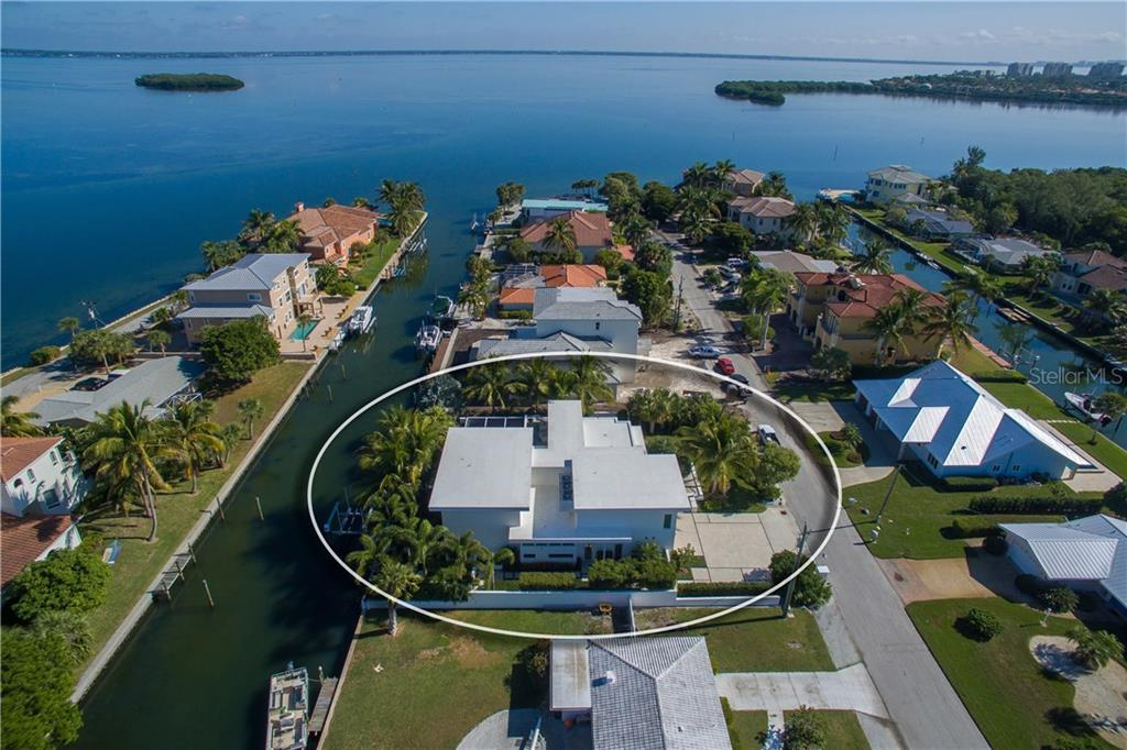 Bridge Free access to open bay! - Single Family Home for sale at 593 Rountree Dr, Longboat Key, FL 34228 - MLS Number is A4172941