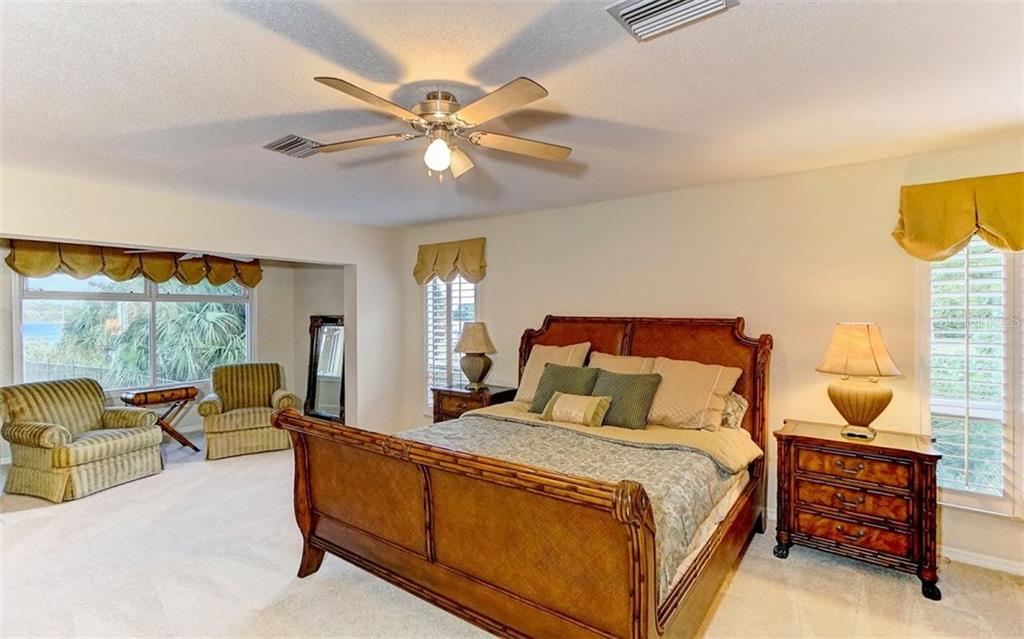 Single Family Home for sale at 4024 Casey Key Rd, Nokomis, FL 34275 - MLS Number is A4173383