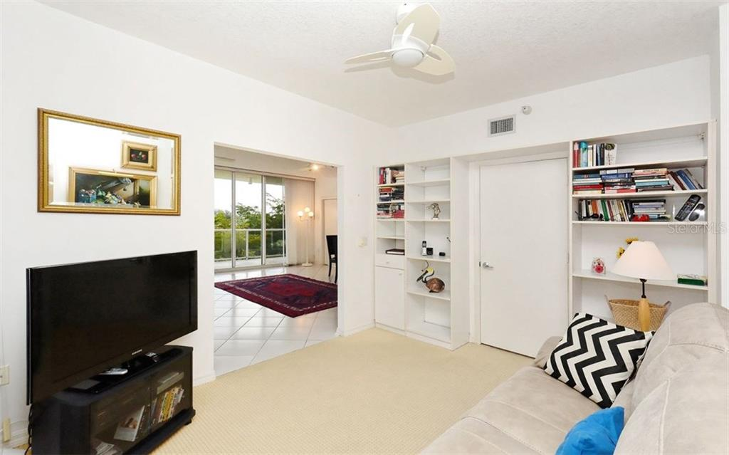 1800 Benjamin Franklin Dr #b307, Sarasota, FL 34236 - photo 4 of 25