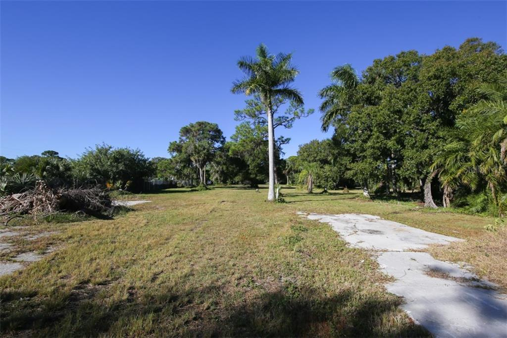 Vacant Land for sale at 3700 14th St W, Bradenton, FL 34205 - MLS Number is A4174298