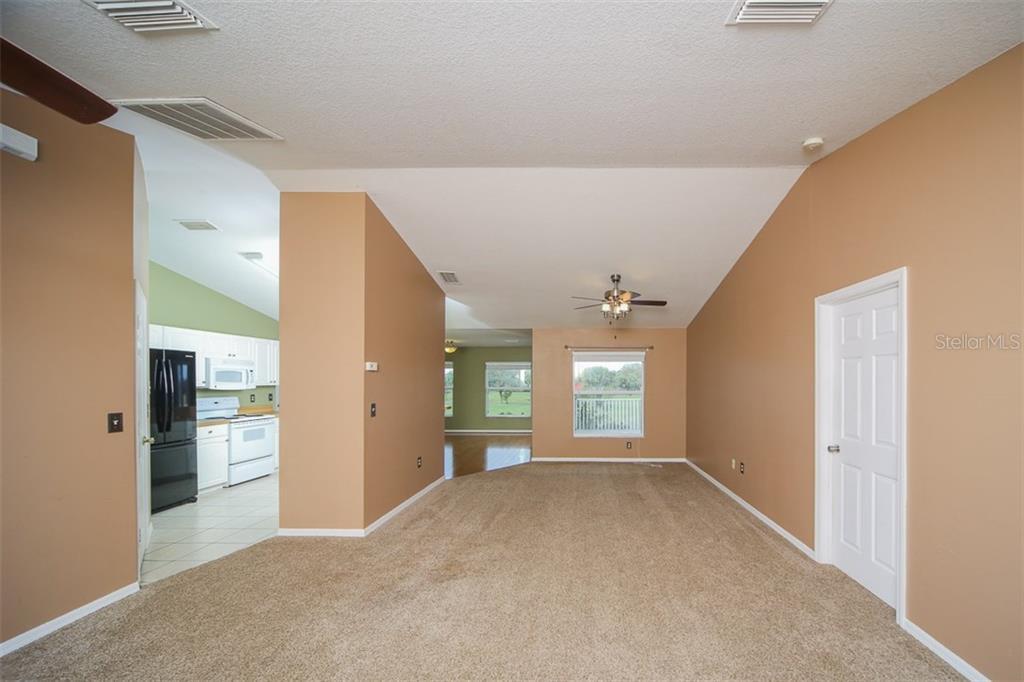 Address Withheld, Palmetto, FL 34221 - photo 4 of 22