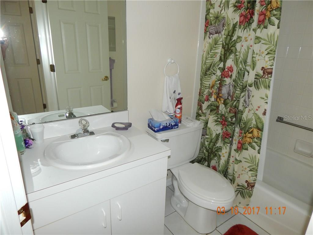 EN SUITE GUEST BATH - Single Family Home for sale at 1203 Harbor Town Way, Venice, FL 34292 - MLS Number is A4180060