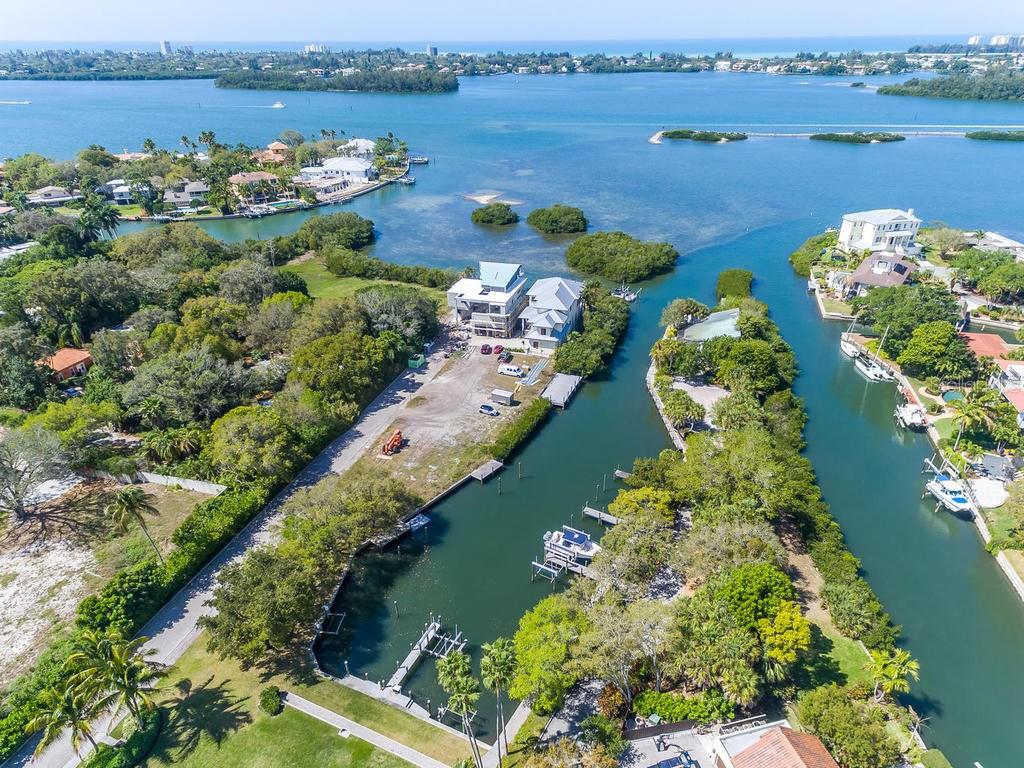 Single Family Home for sale at 1451 Rebecca Ln, Sarasota, FL 34231 - MLS Number is A4180745
