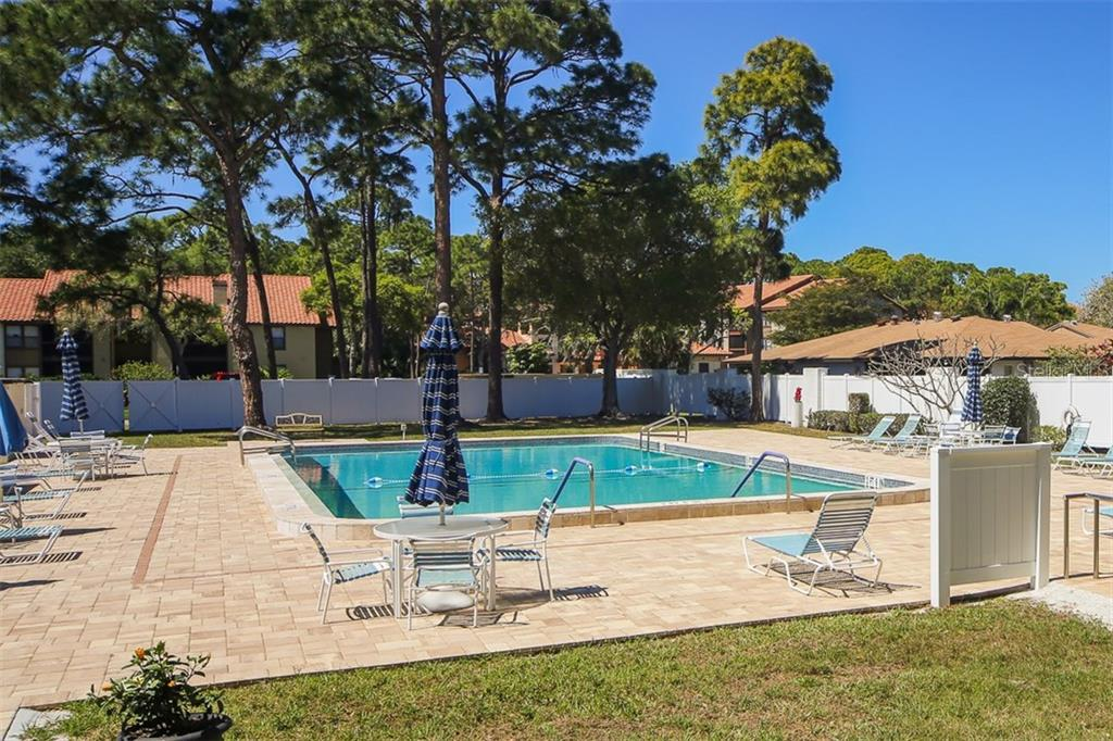 Villa for sale at 6216 Green View Cir #61, Sarasota, FL 34231 - MLS Number is A4181228
