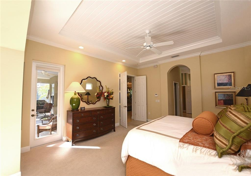 Master Bedroom - Single Family Home for sale at 12330 Thornhill Ct, Lakewood Ranch, FL 34202 - MLS Number is A4183351