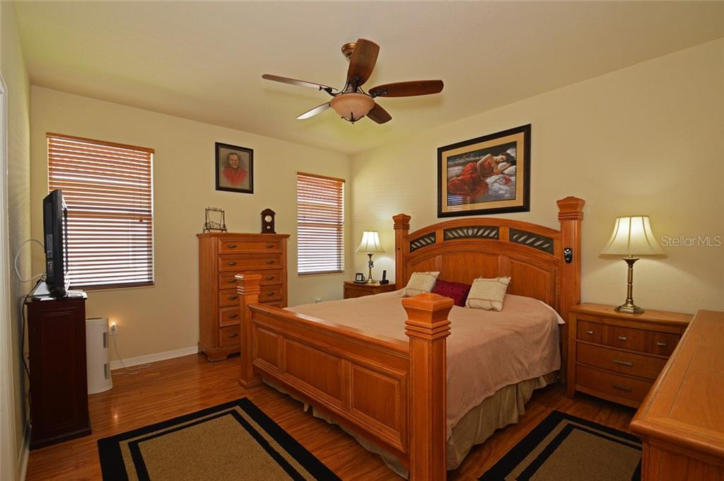 Master Bedroom - Single Family Home for sale at 9006 Heritage Sound Dr, Bradenton, FL 34212 - MLS Number is A4183771