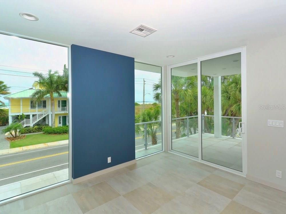 Great Room View - Single Family Home for sale at 641 Beach Rd, Sarasota, FL 34242 - MLS Number is A4185328
