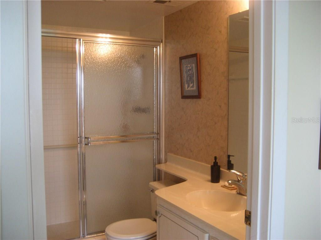 Master bath offers convenient walk in shower - Condo for sale at 3820 Ironwood Ln #606i, Bradenton, FL 34209 - MLS Number is A4187664