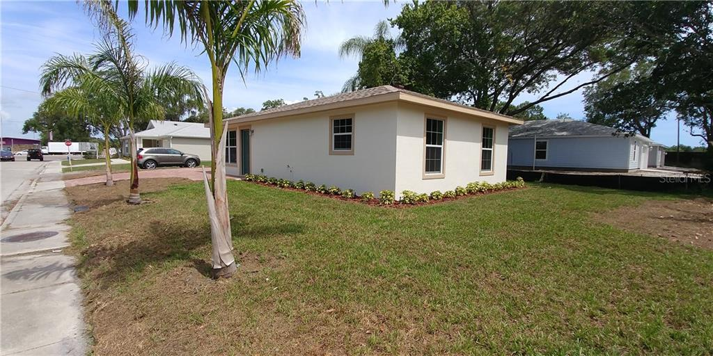 Single Family Home for sale at 1968 24th St, Sarasota, FL 34234 - MLS Number is A4187995