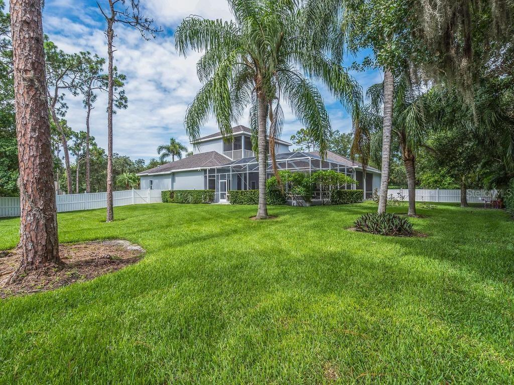 Single Family Home for sale at 4730 Acorn Cir, Sarasota, FL 34233 - MLS Number is A4189272