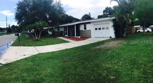 Single Family Home for sale at 1527 19th St W, Bradenton, FL 34205 - MLS Number is A4189477
