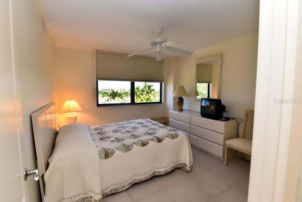 Bedroom 3 of 3 - Condo for sale at 5855 Midnight Pass Rd #628, Sarasota, FL 34242 - MLS Number is A4190416