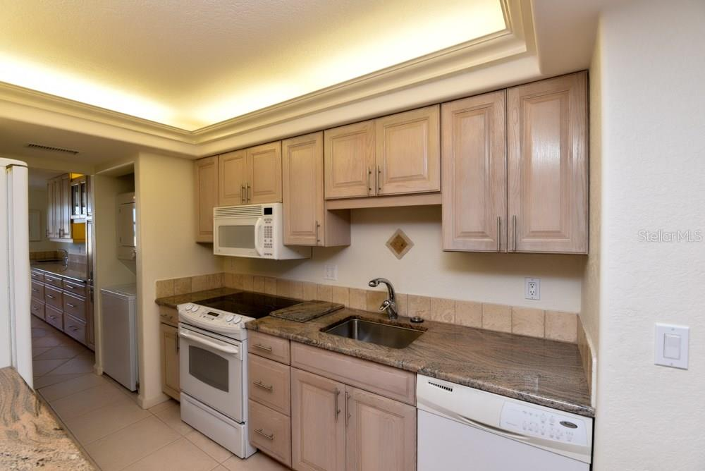 Kitchen - Condo for sale at 5855 Midnight Pass Rd #628, Sarasota, FL 34242 - MLS Number is A4190416