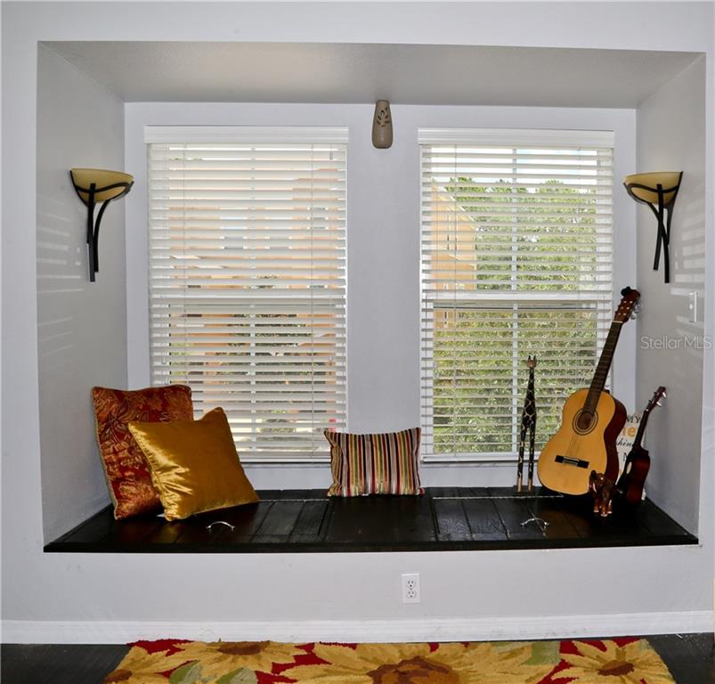 Dining area - Townhouse for sale at 8654 Majestic Elm Ct, Lakewood Ranch, FL 34202 - MLS Number is A4191082