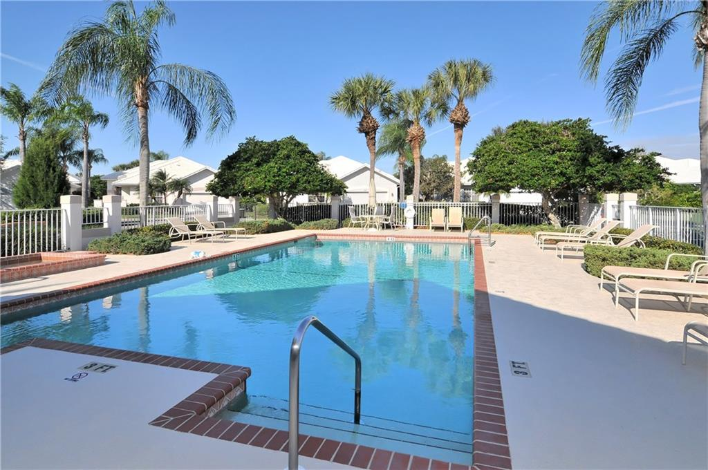Lynwood Glen - Community Pool and Spa - Villa for sale at 604 Crossfield Cir #31, Venice, FL 34293 - MLS Number is A4193953