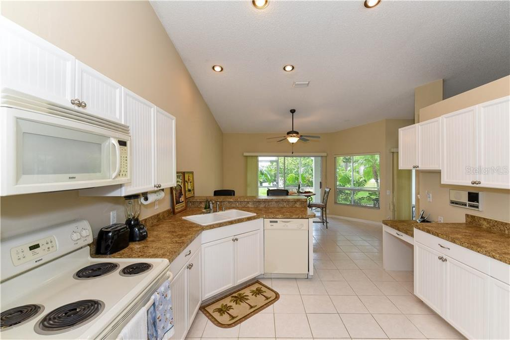 Single Family Home for sale at 4327 Murfield Dr E, Bradenton, FL 34203 - MLS Number is A4194945