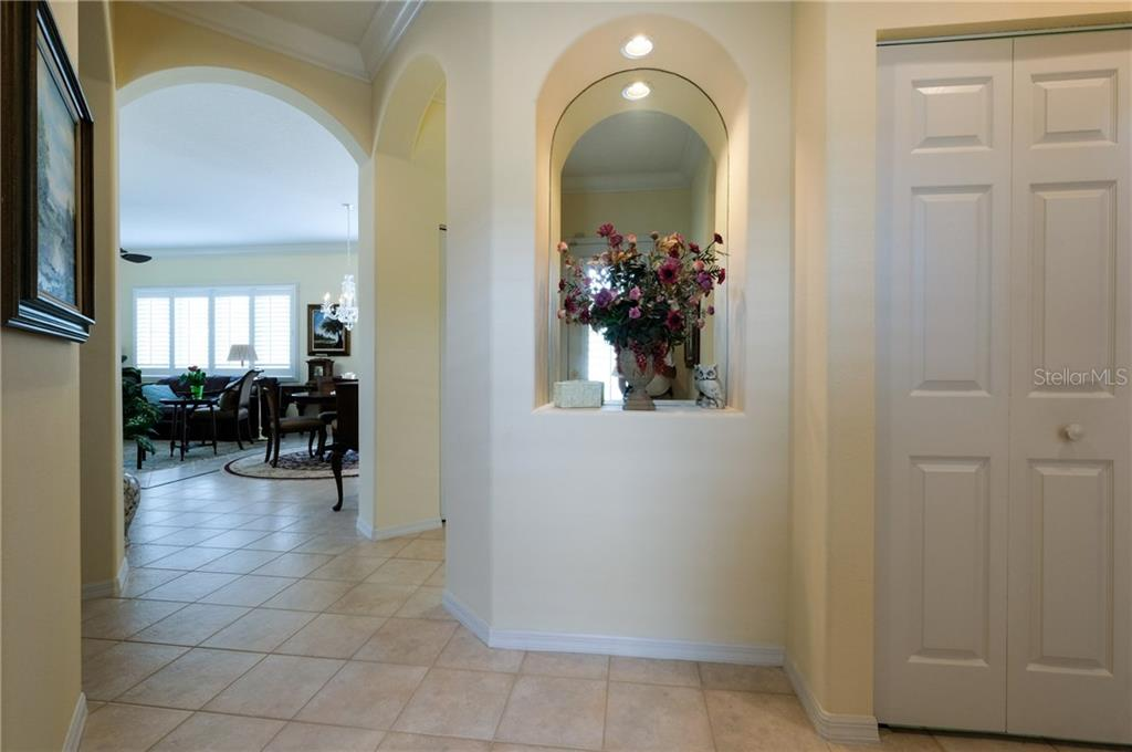 Single Family Home for sale at 8709 52nd Dr E, Bradenton, FL 34211 - MLS Number is A4196197