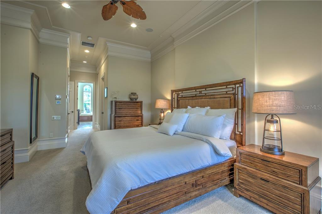 King size master bedroom with 2 walk in closets. Recessed lighting and built in speakers. - Single Family Home for sale at 548 Fore Dr, Bradenton, FL 34208 - MLS Number is A4196590