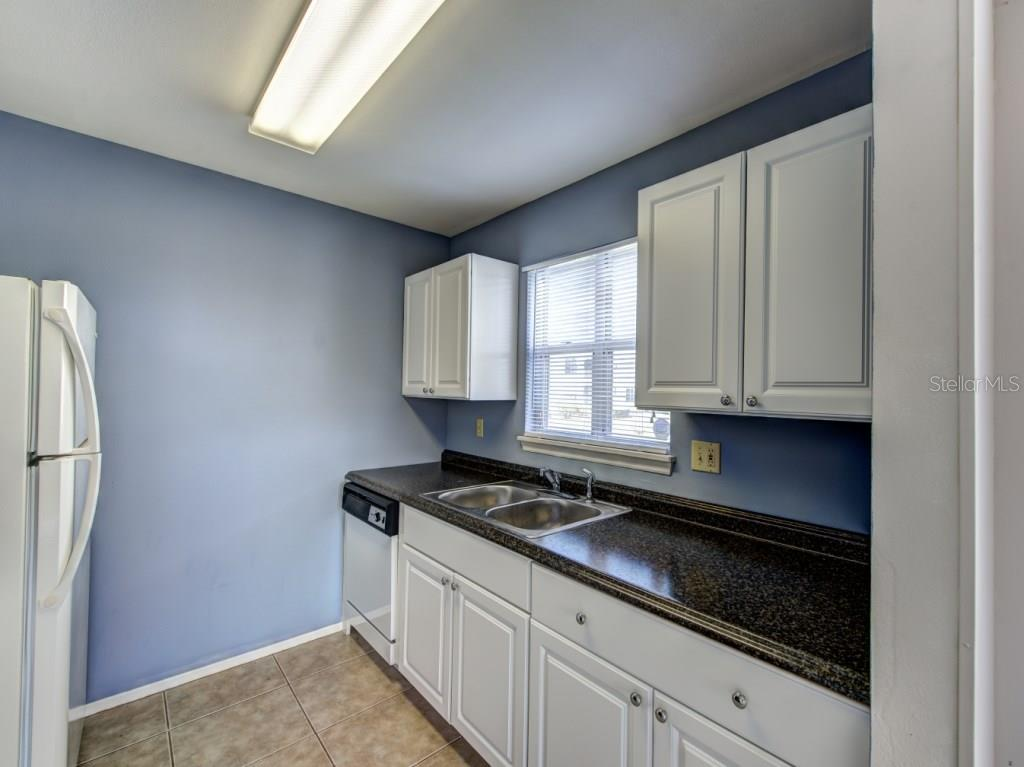 Condo for sale at 877 Audubon Dr #877, Bradenton, FL 34209 - MLS Number is A4197158