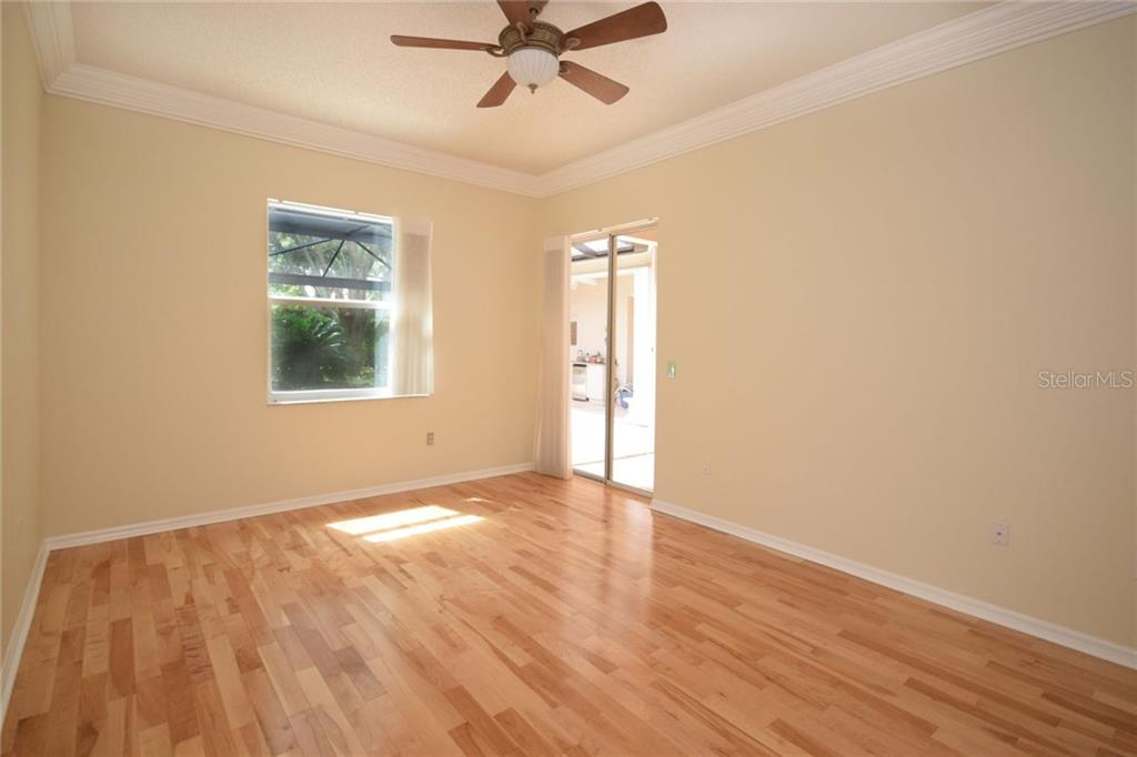 Master bedroom - Single Family Home for sale at 9520 Hawksmoor Ln, Sarasota, FL 34238 - MLS Number is A4197662
