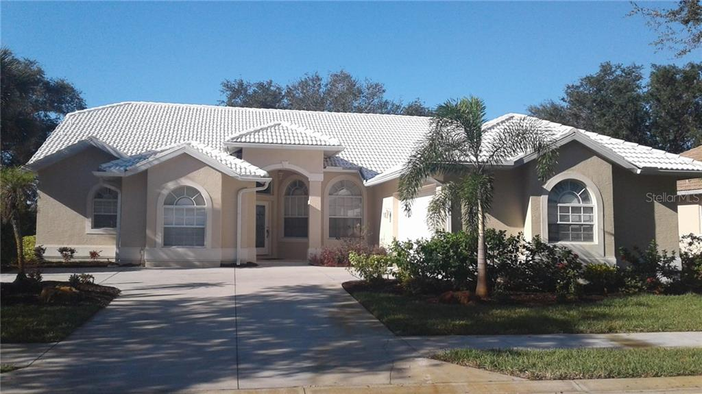 Single Family Home for sale at 5039 Bella Terra Dr, Venice, FL 34293 - MLS Number is A4199347